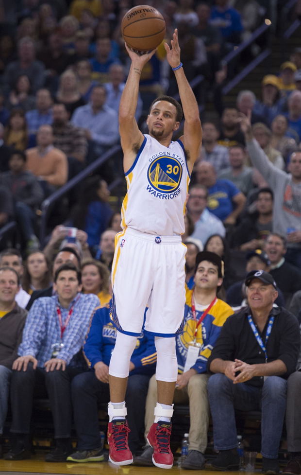 steph-curry-ua-curry-2-floor-general-vs-clippers-02