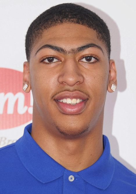 LOUISVILLE, KY - MAY 05:  Kentucky Wildcats Basketball Player Anthony Davis attends the 138th Kentucky Derby at Churchill Downs on May 5, 2012 in Louisville, Kentucky.  (Photo by Michael Loccisano/Getty Images)