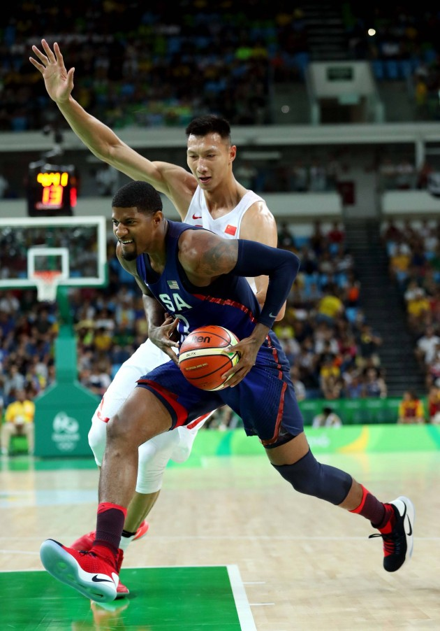 team-usa-group-play-paul-george-nike-hyperdunk-flyknit-2016-4-630x902